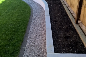 minimalist residential garden in aylesbury