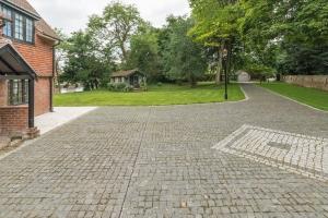 residential granite sett driveway